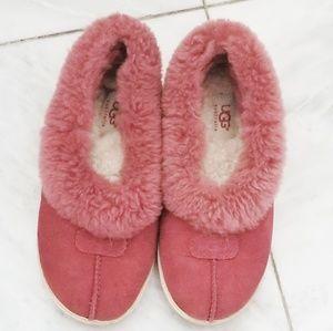 UGG fuzzy slippers